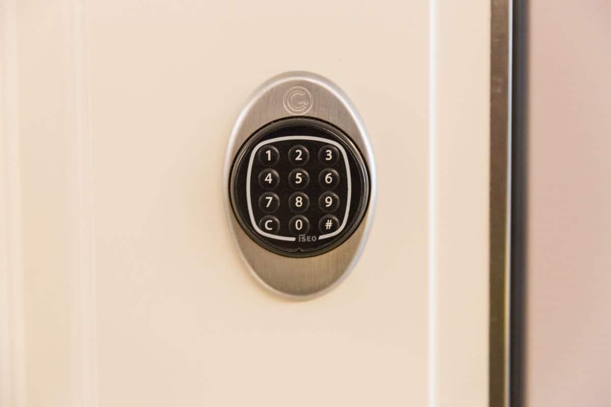 porta-blindata-con-serratura-elettronica