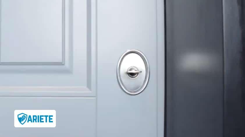 chiave nella serratura