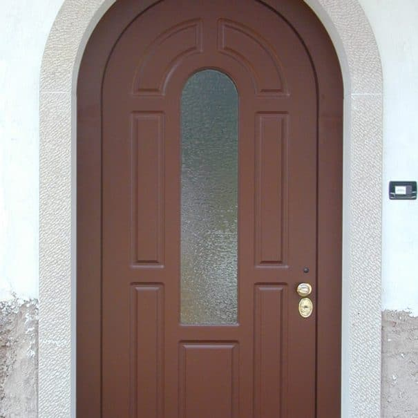 porta blindata con vetro ad arco