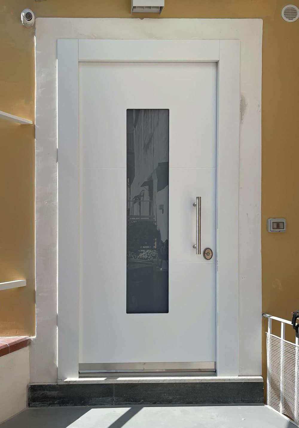 porta blindata con vetro centrale